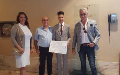 Nuestro alumno Roberto Sánchez Galeano premio a la Excelencia Educativa